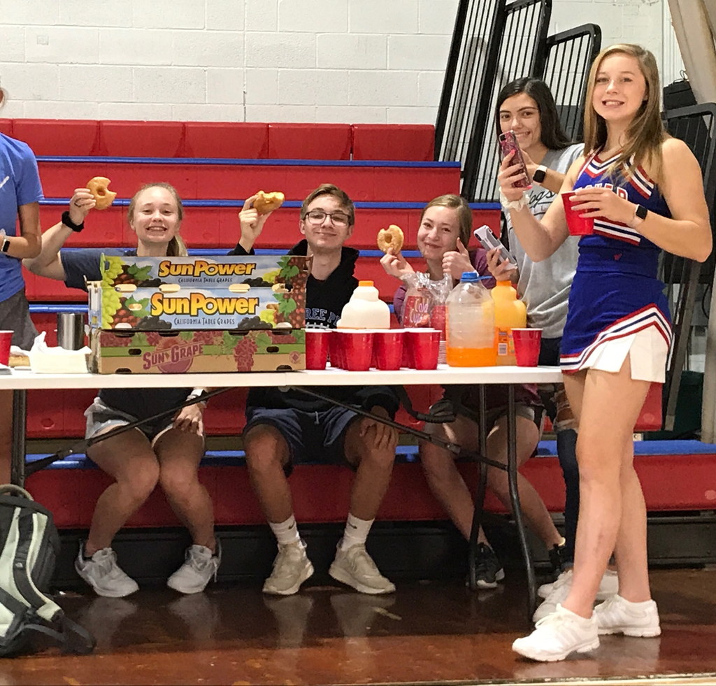HHS FBLA officers share donuts, juice, and FBLA fun!